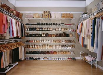 The Master Bedroom Has The Most Important Closet In The House. We Design  The Space You Need For Suits, Blouses, Pants, Long Dresses And Even Shoes.